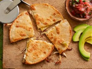 FNK_Chicken-Chili-and-Cheese-Quesadillas_s4x3_jpg_rend_sni12col_landscape