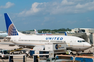 October 28 2012 United Airline Plane At Fort Lauderdale- Hollywood International Airport