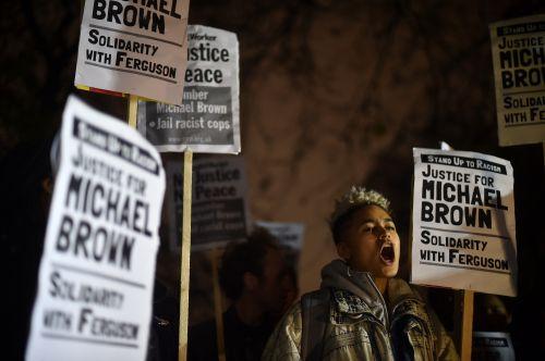 BRITAIN-US-CRIME-POLICE-RACISM-JURY-DEMO