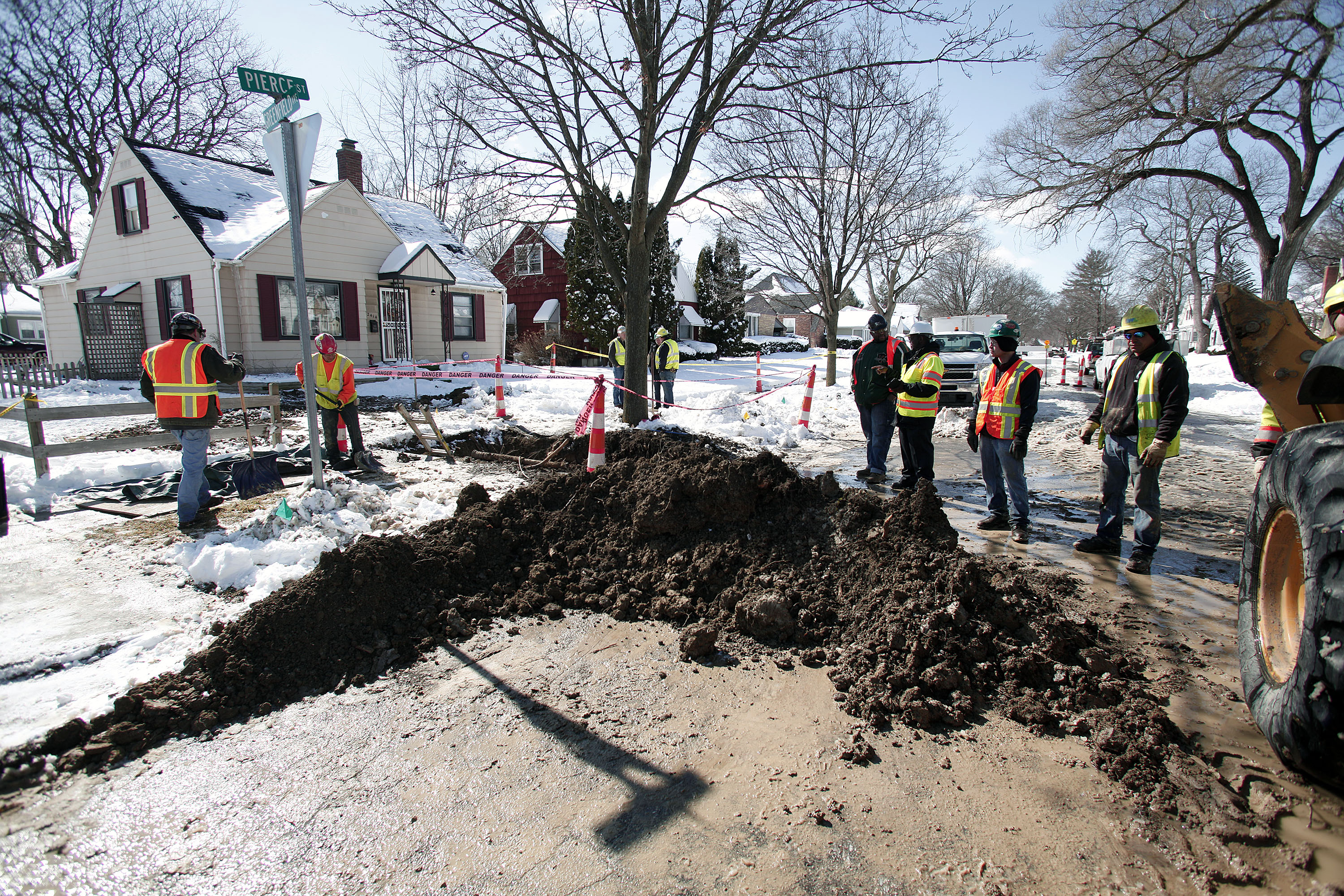 Work Begins In Flint To Replace Lead Water Pipes