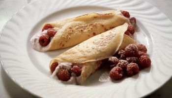 Crepes with Raspberry Quark